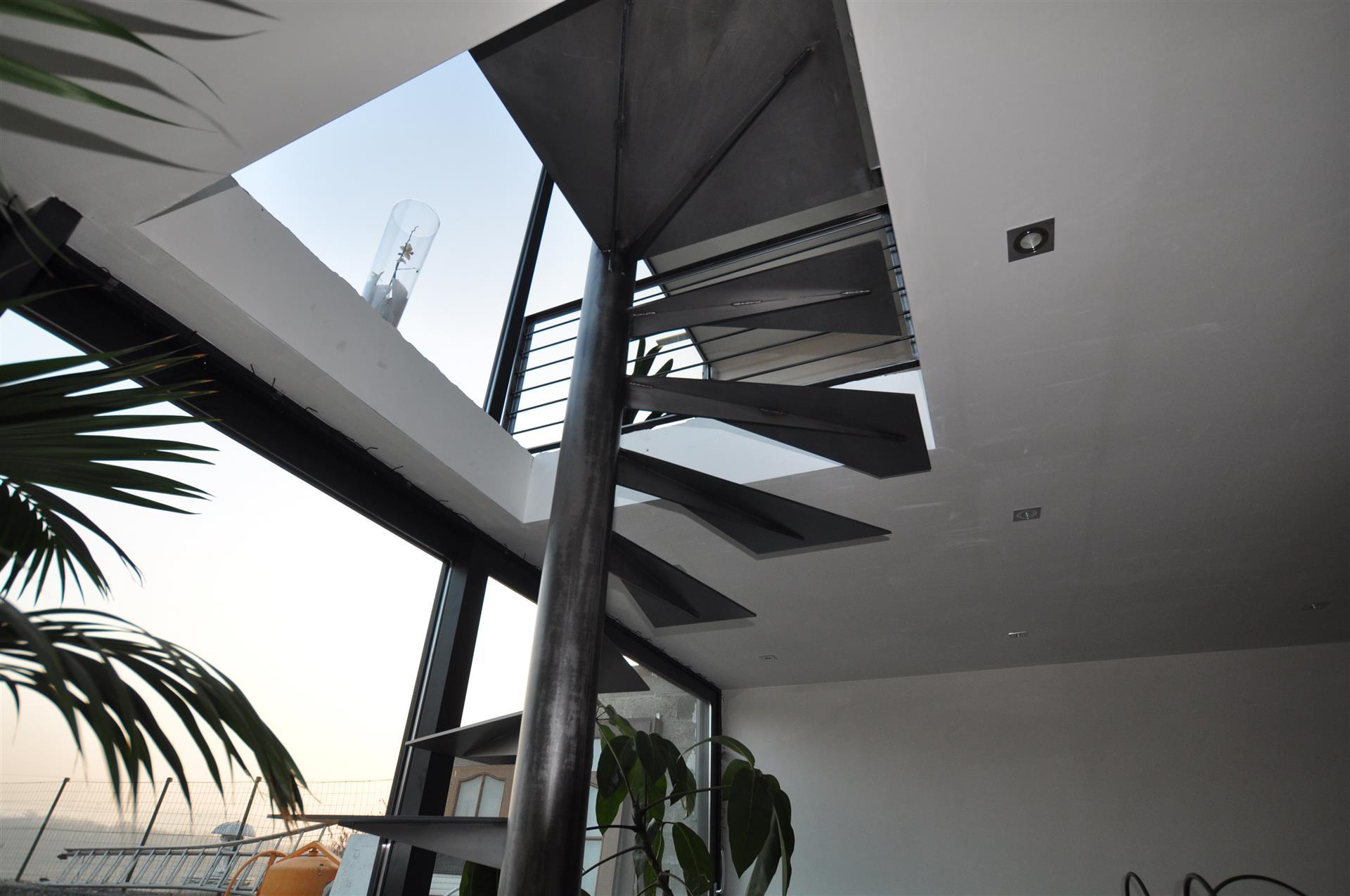 escalier autoportant helico 207 dal 28 images charmant norme escalier code du travail luxe. Black Bedroom Furniture Sets. Home Design Ideas
