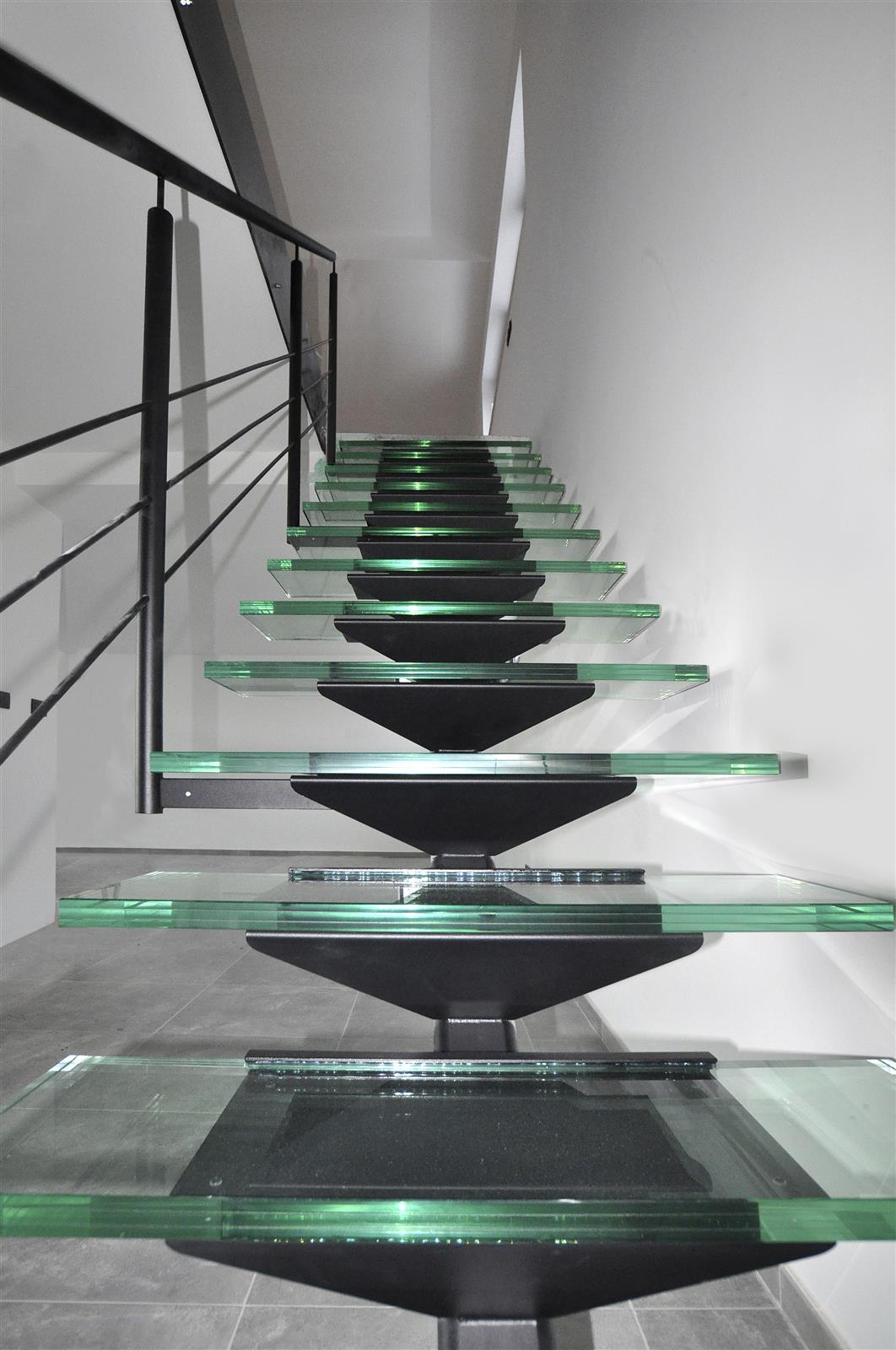 Escaliers marches verre ets bertrand - Marche escalier en verre ...